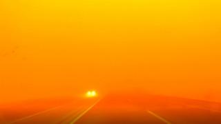 Πορτοκαλί «Αποκάλυψη»: Αμμοθύελλα προκαλεί χάος στη βόρεια Κίνα