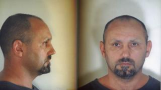 Η ΕΛ.ΑΣ συνεχίζει το κυνήγι του Βασίλη Παλαιοκώστα – Ξανά στη δημοσιότητα οι φωτογραφίες του