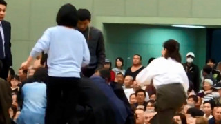 Ιαπωνία: Έδιωξαν από αγώνα σούμο γυναίκες που προσπάθησαν να σώσουν τη ζωή ενός άνδρα