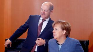 DW: Πώς θα χειριστεί το Βερολίνο το θέμα του χρέους;