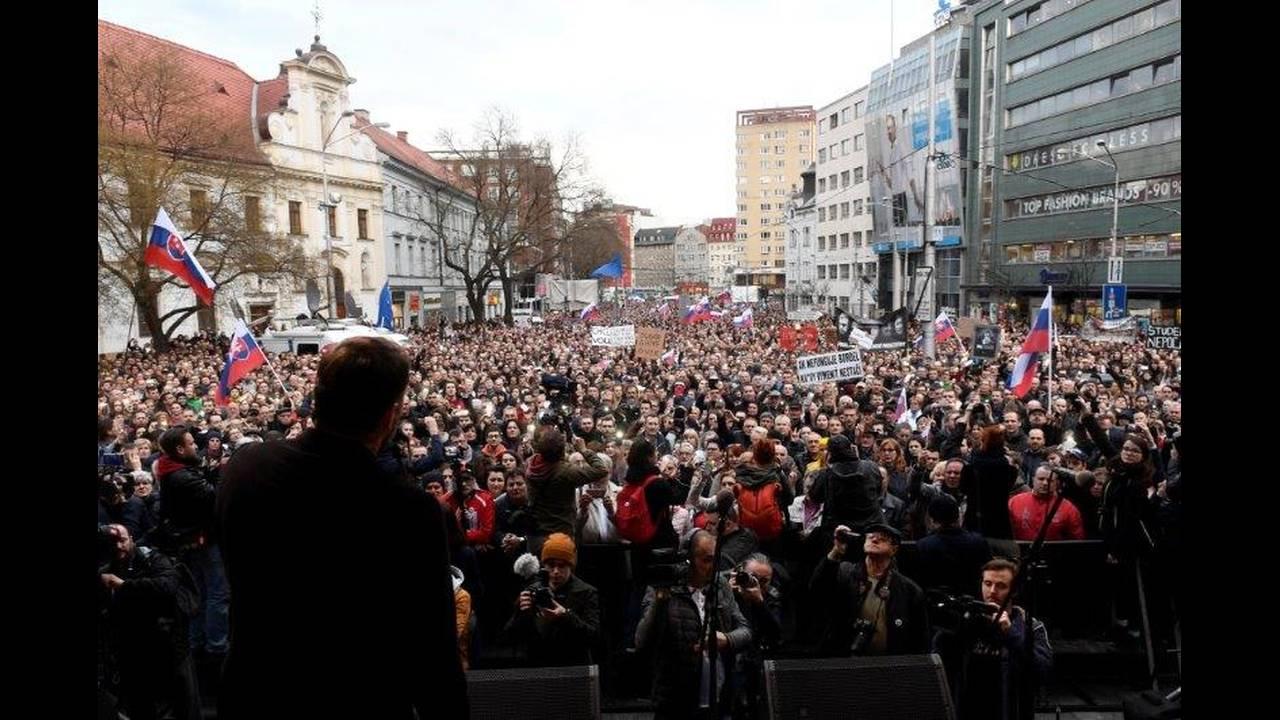 https://cdn.cnngreece.gr/media/news/2018/04/06/124726/photos/snapshot/2018-04-05T171706Z_1113041774_RC16C113A810_RTRMADP_3_SLOVAKIA-POLITICS.jpg
