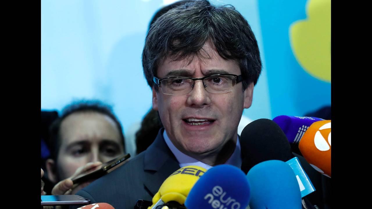 https://cdn.cnngreece.gr/media/news/2018/04/06/124760/photos/snapshot/2018-01-24T132753Z_477972286_RC17D5EEA830_RTRMADP_3_SPAIN-POLITICS-CATALONIA-PUIGDEMONT.JPG