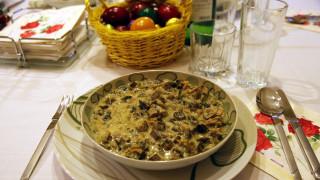 Μαγειρίτσα: Η πρωταγωνίστρια του Αναστάσιμου δείπνου