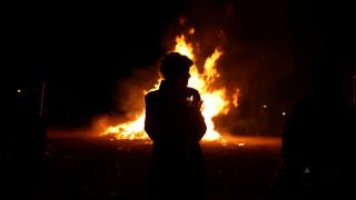 Κύπρος: Τραυματισμοί, ζημιές και συλλήψεις στον «πόλεμο της λαμπρατζιάς»