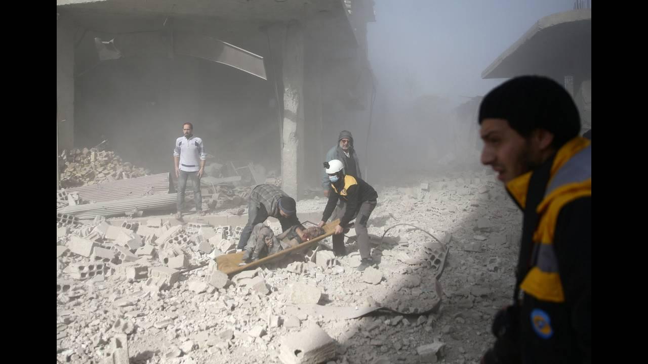 https://cdn.cnngreece.gr/media/news/2018/04/09/125131/photos/snapshot/2017-12-03T161245Z_1288052760_RC1364194810_RTRMADP_3_MIDEAST-CRISIS-SYRIA.JPG