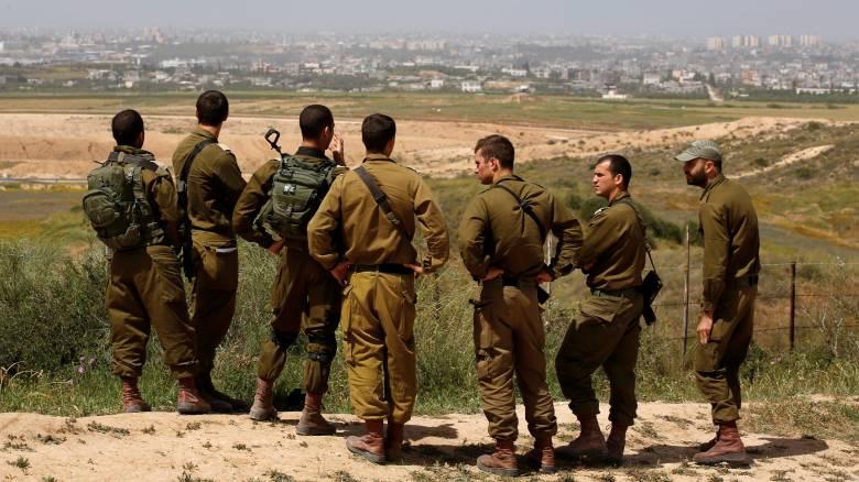 Ισραηλινός ελεύθερος σκοπευτής πυροβολεί άοπλο παλαιστίνιο: Το βίντεο που προκάλεσε αντιδράσεις