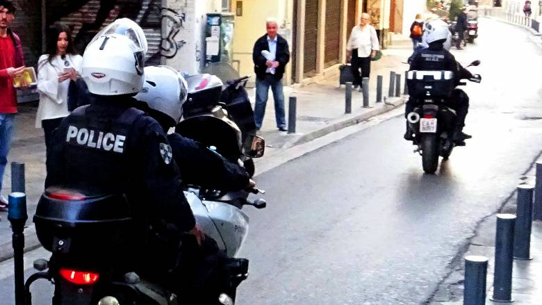 Αυξάνονται οι ληστείες με θύματα τουρίστες στο κέντρο της Αθήνας