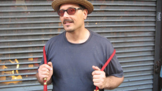Τζιμ Γεωργίου: από άστεγος διασώστης της ροκ μνήμης του Chelsea Hotel