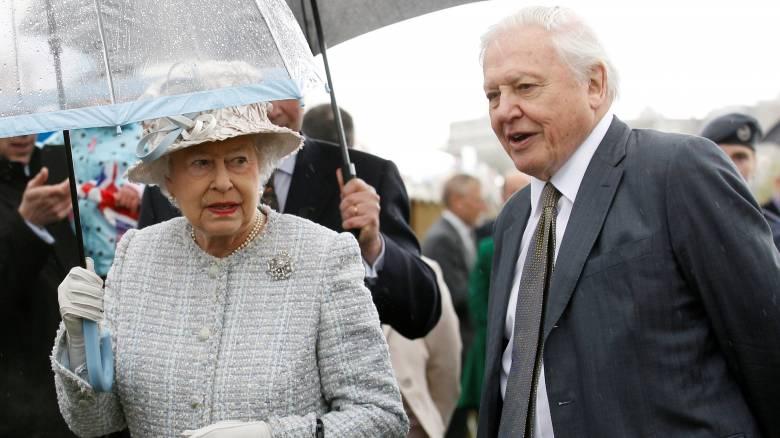 Η βασίλισσα Ελισάβετ έχει χιούμορ και το αποδεικνύει! (vid)
