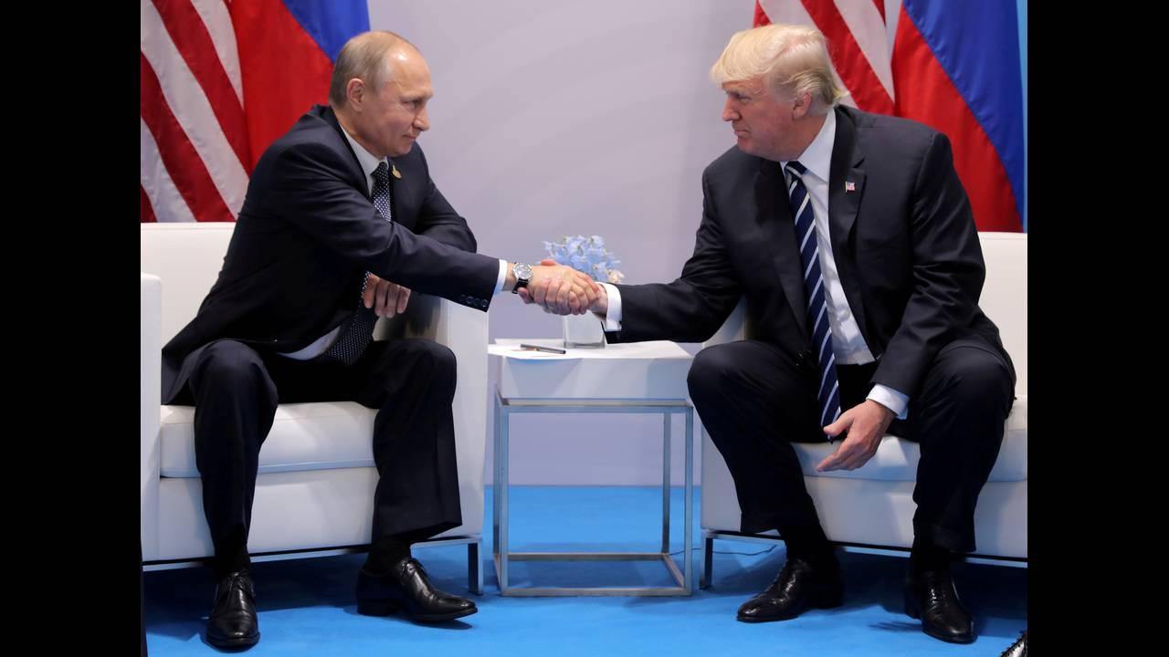 https://cdn.cnngreece.gr/media/news/2018/04/11/125337/photos/snapshot/trump-4.JPG