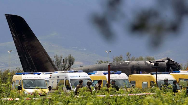 Αλγερία: 257 νεκροί από τη συντριβή αεροσκάφους - Για φωτιά στο φτερό κάνουν λόγο μάρτυρες