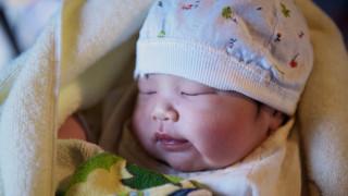 Γεννήθηκε τέσσερα χρόνια μετά τον θάνατο των γονιών του: Η απίστευτη ιστορία ενός μικρού Κινέζου