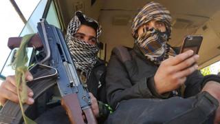 Συρία: Οι αντάρτες παρέδωσαν τα όπλα τους και φεύγουν από τη Ντούμα