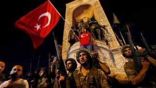Τουρκία: Εντολή για σύλληψη 70 εν ενεργεία αξιωματικών του στρατού
