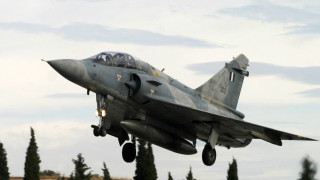 Πτώση Mirage: Έρευνες για να εντοπιστεί το «μαύρο κουτί» του αεροσκάφους