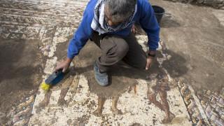 Πέτρινη επιγραφή από τη Δυναστεία των Τανγκ βρέθηκε σε αυλή αγρότη