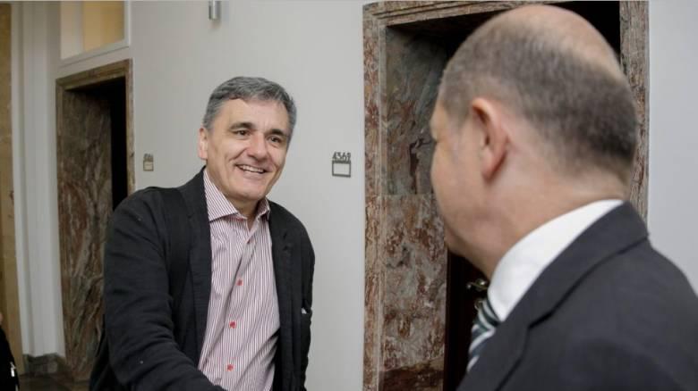 Παραγωγική και σε καλό κλίμα η συνάντηση Τσακαλώτου - Σολτς
