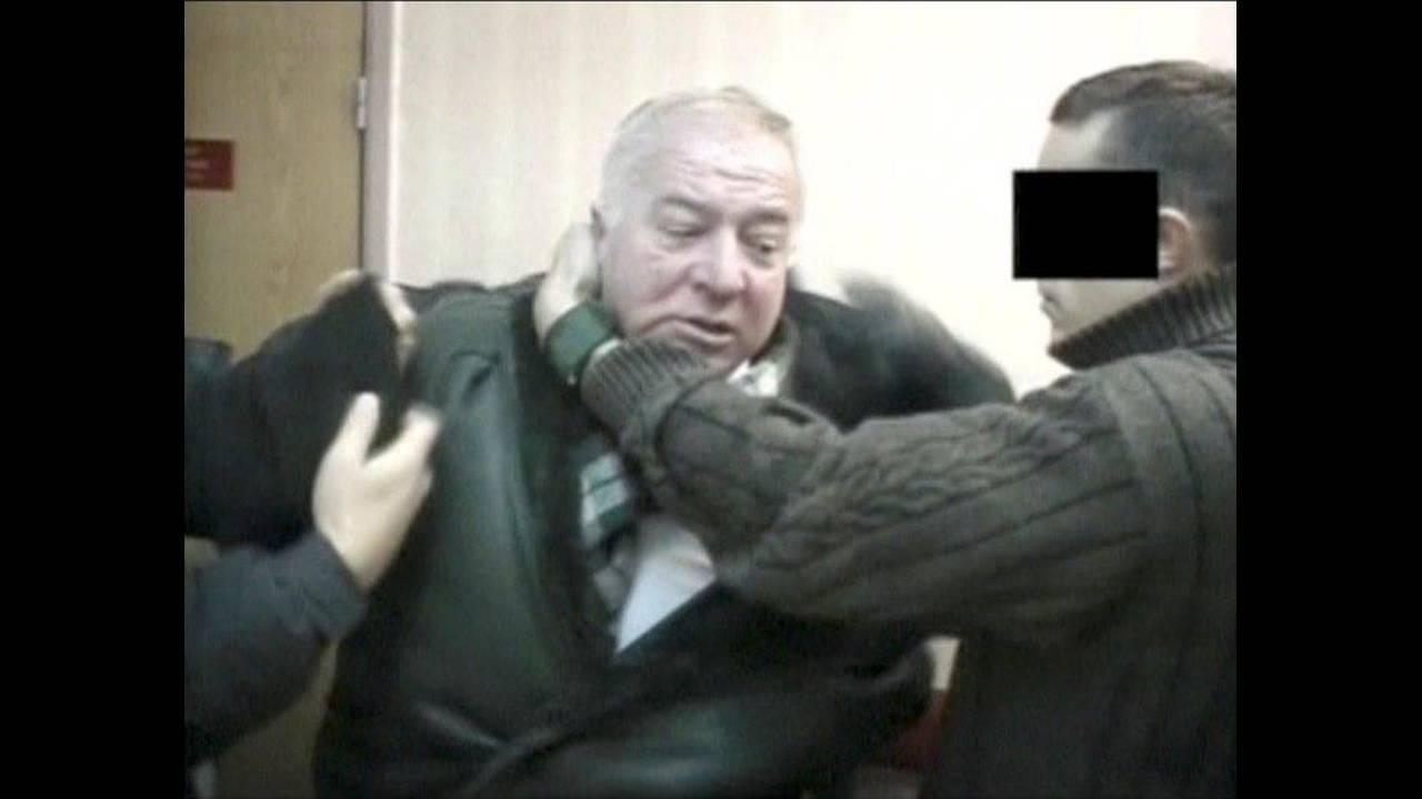 https://cdn.cnngreece.gr/media/news/2018/04/13/125670/photos/snapshot/2018-03-06T091904Z_973816261_RC1279573C70_RTRMADP_3_BRITAIN-RUSSIA.jpg
