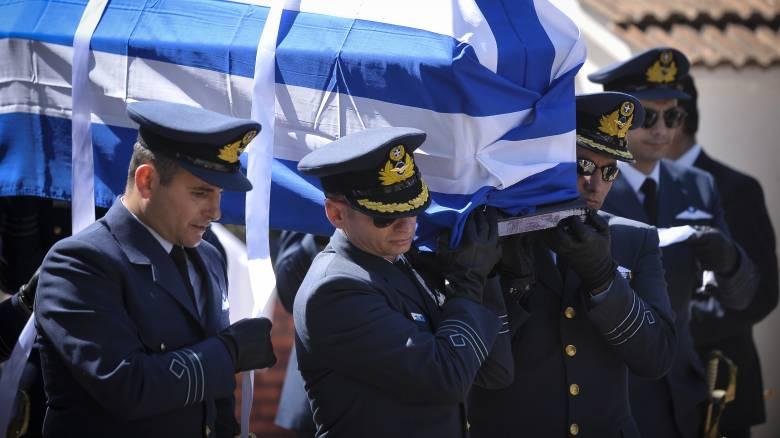 «Οι ήρωες πολεμούν σαν Έλληνες»: Το «αντίο» του ΥΠΕΘΑ στον Γιώργο Μπαλταδώρο