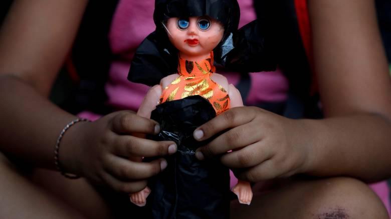 Οργή στην Ινδία για τον βιασμό και τον φόνο μιας 8χρονης