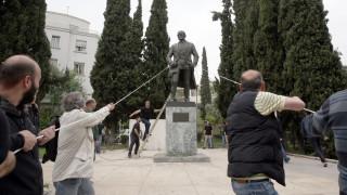 Επεισόδια στο αντιπολεμικό συλλαλητήριο στο κέντρο της Αθήνας