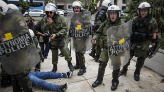 Αντιπολεμικό συλλαλητήριο: Σε συλλήψεις μετατράπηκαν οι προσαγωγές
