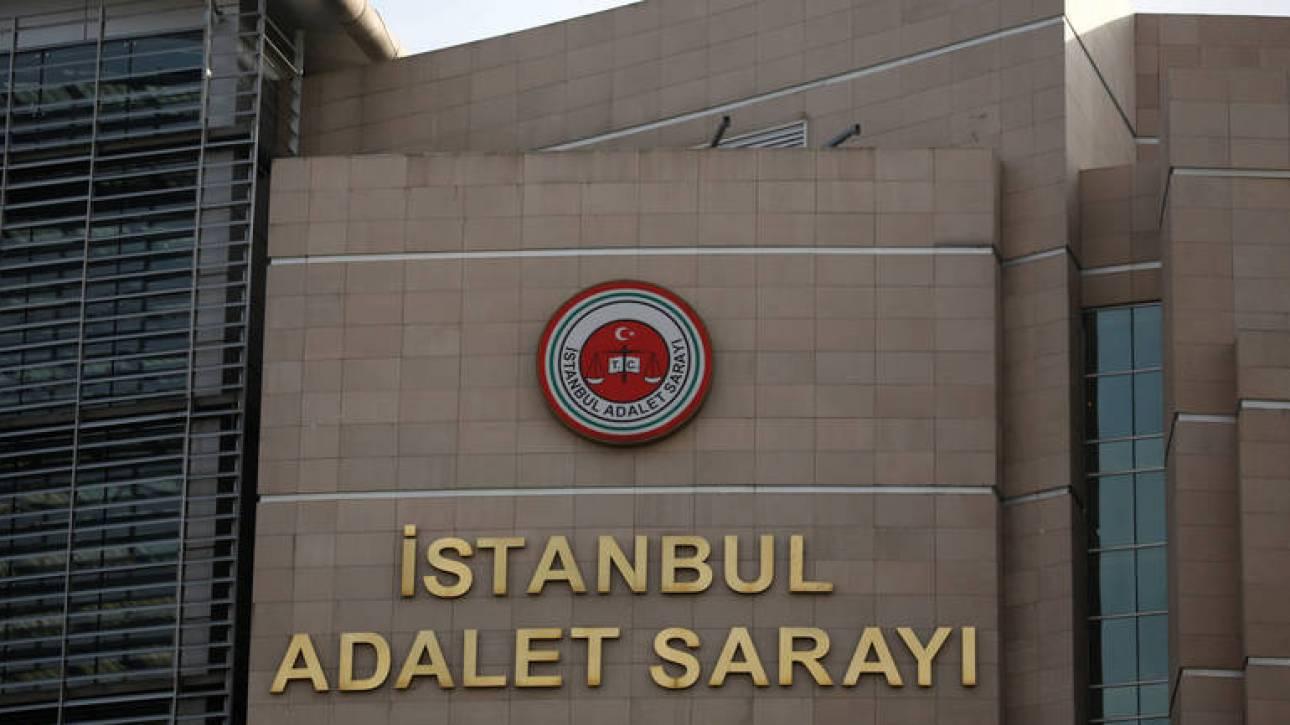 Τουρκικό δικαστήριο διέταξε τη συνέχιση φυλάκισης Αμερικανού πάστορα