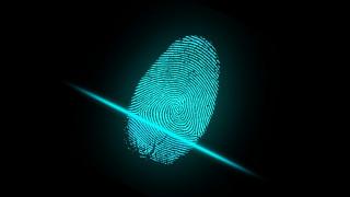 Νέες ταυτότητες με ψηφιακό δακτυλικό αποτύπωμα σχεδιάζει η Κομισιόν