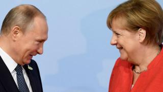 Η Μέρκελ επιθυμεί να συναντηθεί σύντομα με τον Πούτιν