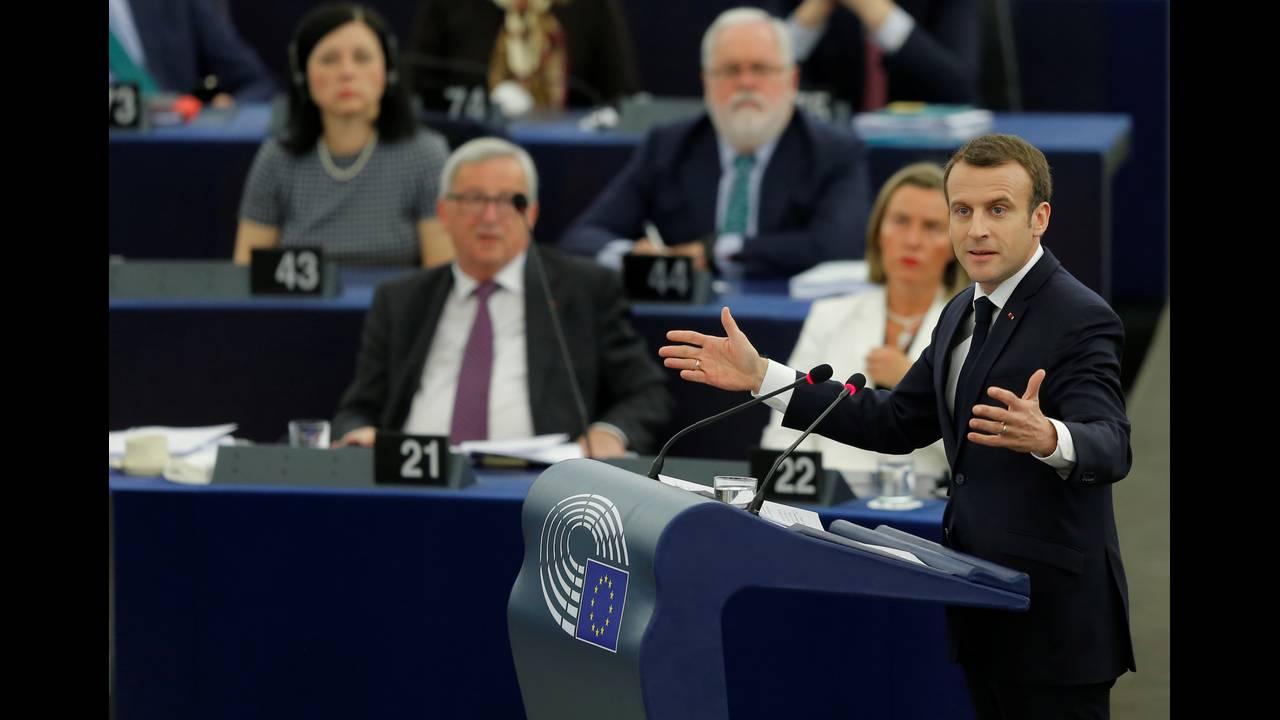 https://cdn.cnngreece.gr/media/news/2018/04/17/126266/photos/snapshot/2018-04-17T084438Z_50087252_RC1BF7A57100_RTRMADP_3_EU-FRANCE-MACRON.JPG