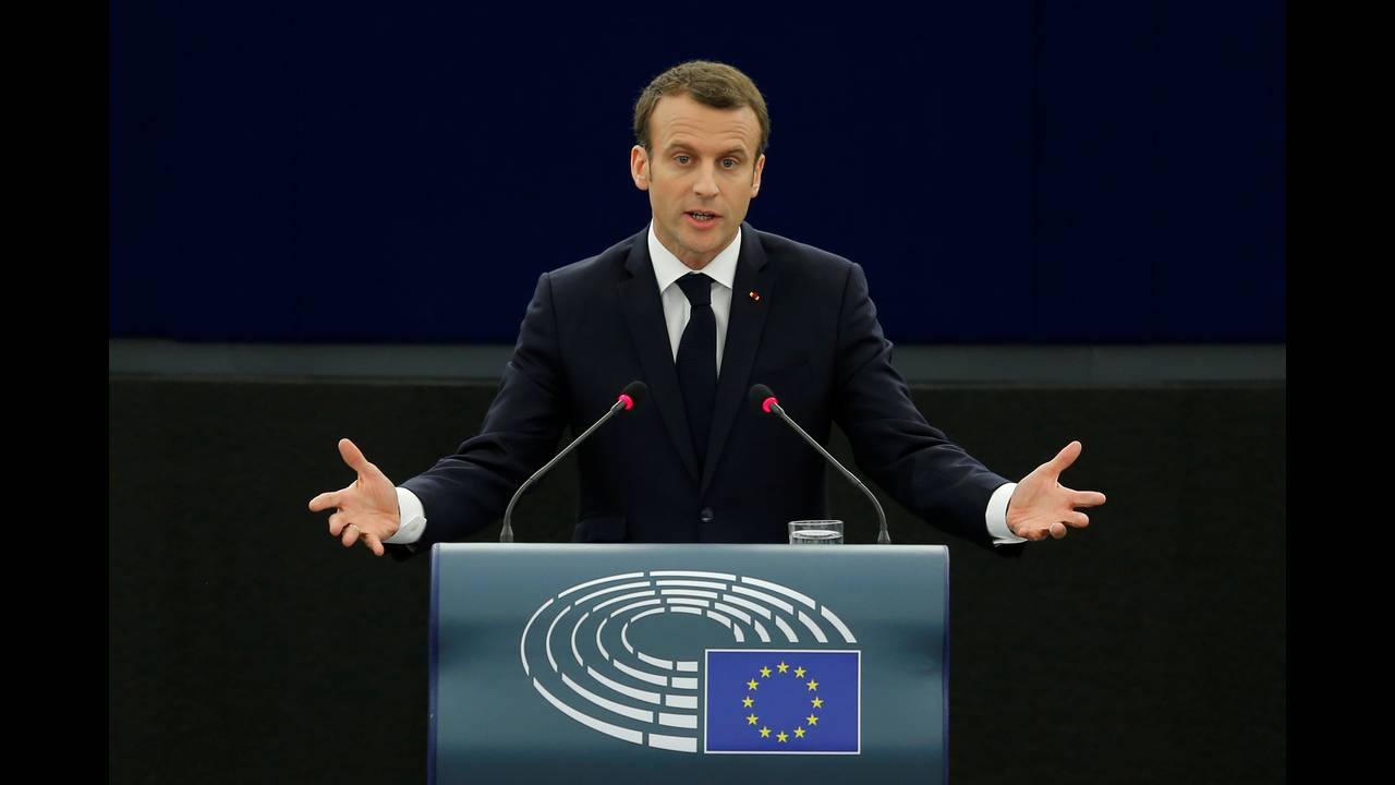 https://cdn.cnngreece.gr/media/news/2018/04/17/126266/photos/snapshot/2018-04-17T091523Z_747099819_RC1349346990_RTRMADP_3_EU-FRANCE-MACRON.JPG