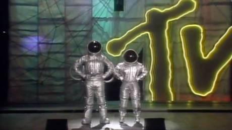 MTV: ψηφίζει Νέα Υόρκη έναντι του Λος Άντζελες στον ακήρυχτο πόλεμο της showbiz