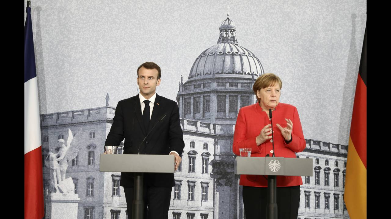 https://cdn.cnngreece.gr/media/news/2018/04/19/126539/photos/snapshot/2018-04-19T122917Z_586146481_RC1A6FA5ADC0_RTRMADP_3_GERMANY-FRANCE.JPG