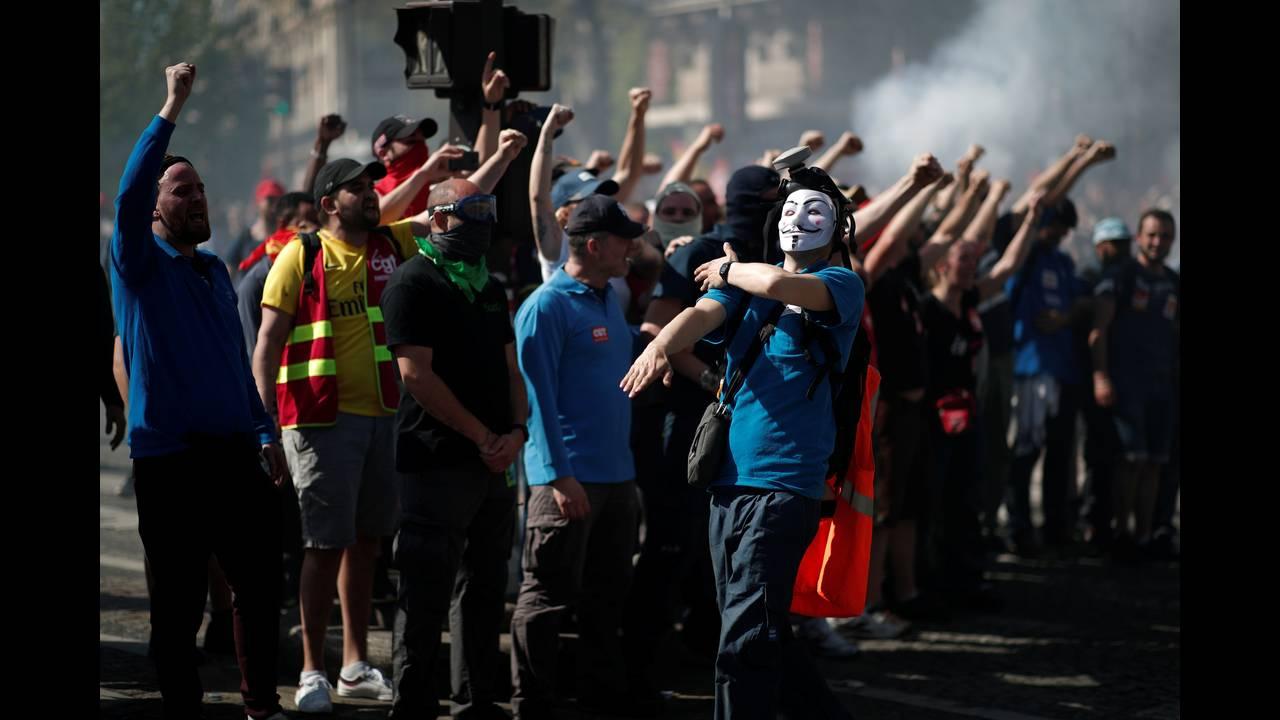 https://cdn.cnngreece.gr/media/news/2018/04/19/126574/photos/snapshot/2018-04-19T143812Z_1438443580_RC1B3465B300_RTRMADP_3_FRANCE-REFORM-PROTEST.JPG