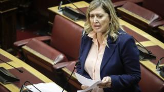 Κρύο αστείο από την Καρακώστα του ΣΥΡΙΖΑ στη Βουλή