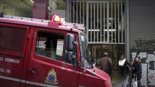 Κρήτη: Άνδρας απειλεί να πέσει στο κενό