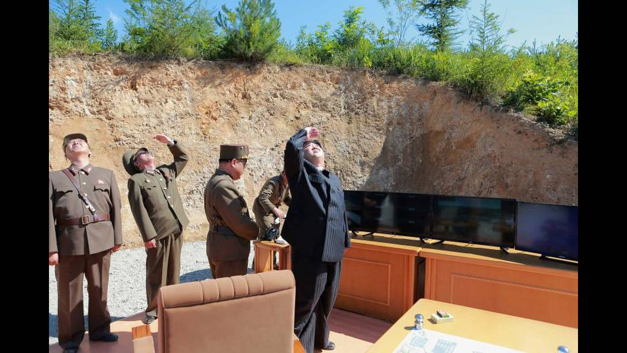 https://cdn.cnngreece.gr/media/news/2018/04/21/126793/photos/snapshot/korea11.jpg
