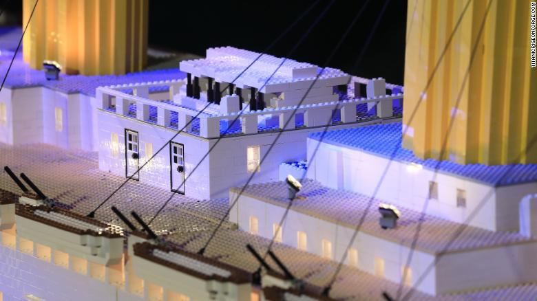 180412111256 05 titanic lego replica exlarge 169