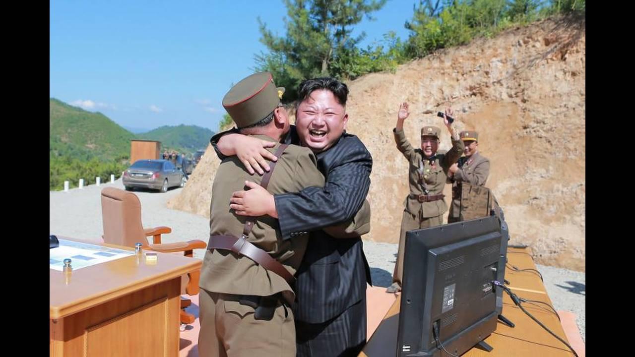 https://cdn.cnngreece.gr/media/news/2018/04/21/126857/photos/snapshot/korea13.jpg