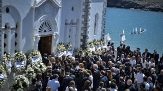 Πλήθος κόσμου στην κηδεία του επιχειρηματία Αλέξανδρου Σταματιάδη
