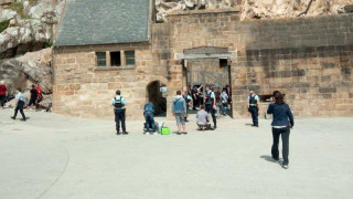 Γαλλία: Το Μον Σεν Μισέλ ανοίγει και πάλι μετά τον συναγερμό