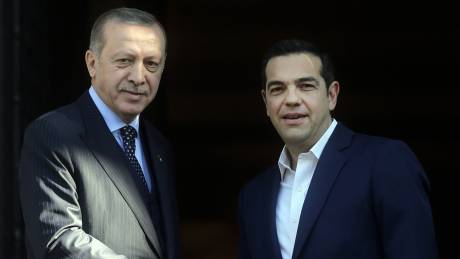 Μαξίμου: Απαράδεκτη και απορριπτέα η πρόταση του Ερντογάν για ανταλλαγή