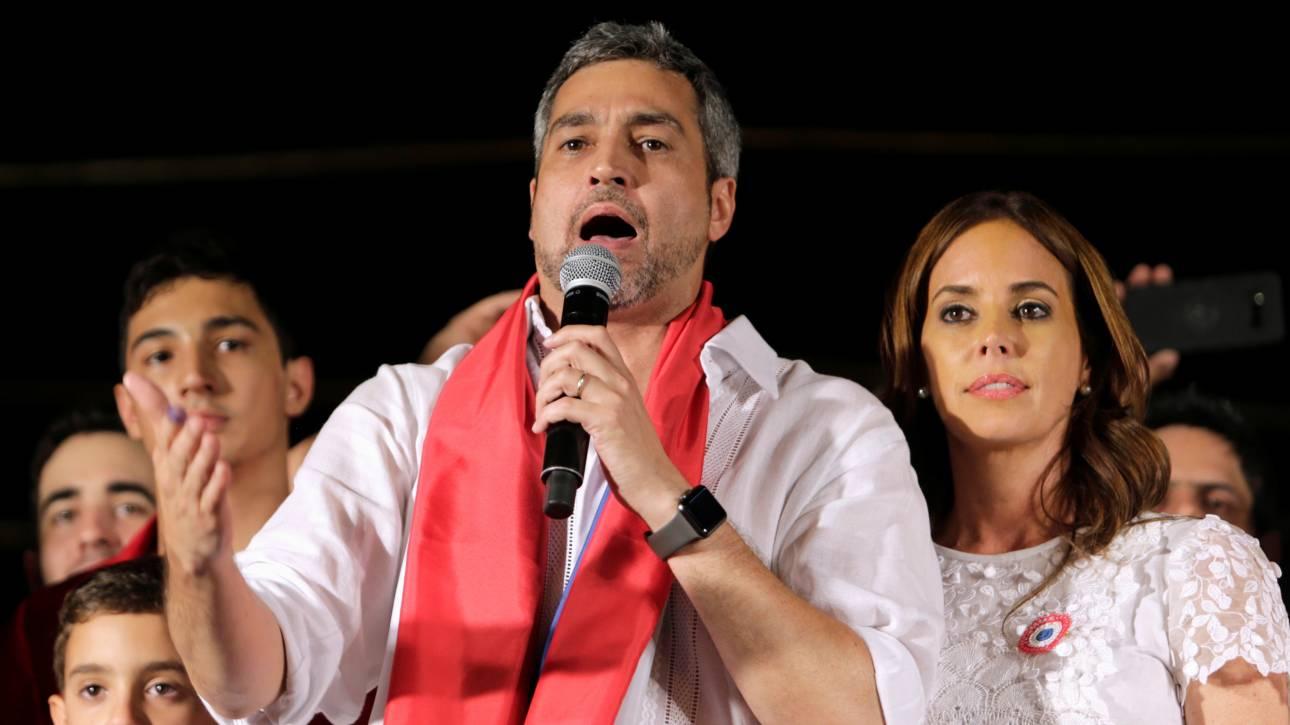 Μάριο Άμντο Μπενίτες: Ο νέος πρόεδρος της Παραγουάης έχει βεβαρυμμένο οικογενειακό παρελθόν