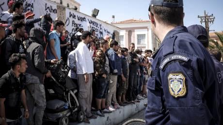 Σύλληψη 120 προσφύγων και μεταναστών στη Μυτιλήνη