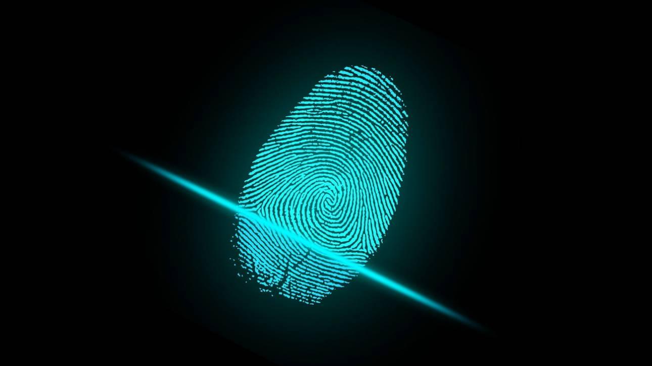 Αστυνομικοί χρησιμοποίησαν....το δάχτυλο νεκρού για να ξεκλειδώσουν το κινητό του