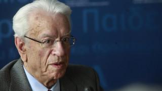 «Πόλεμος» ανακοινώσεων για την παραίτηση του Κριμιζή