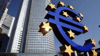 Αμετάβλητα άφησε η ΕΚΤ τα επιτόκια του ευρώ