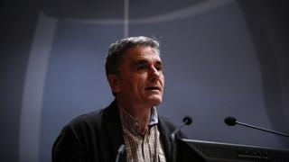 Τσακαλώτος: Παλινδρομούν οι συζητήσεις για την εμβάθυνση της ΟΝΕ