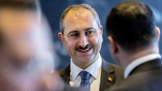 Τουρκία σε Γιούνκερ για Έλληνες στρατιωτικούς: Δεν παίρνουμε εντολές από κανέναν