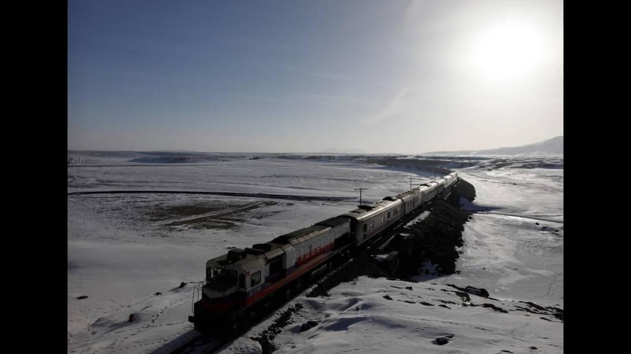 https://cdn.cnngreece.gr/media/news/2018/04/27/127635/photos/snapshot/train11.JPG
